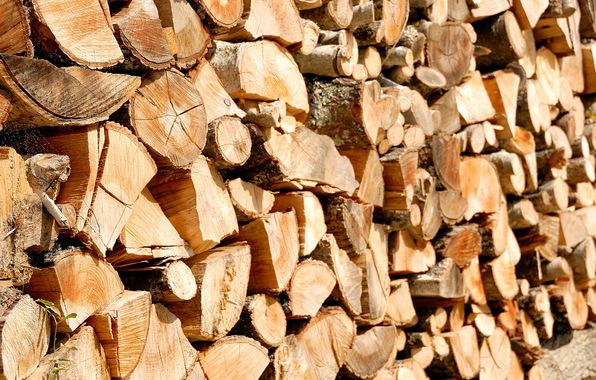 krbové drevo, skladovanie krbového dreva, Remaart Modra, Kachľové pece, kachľové krby